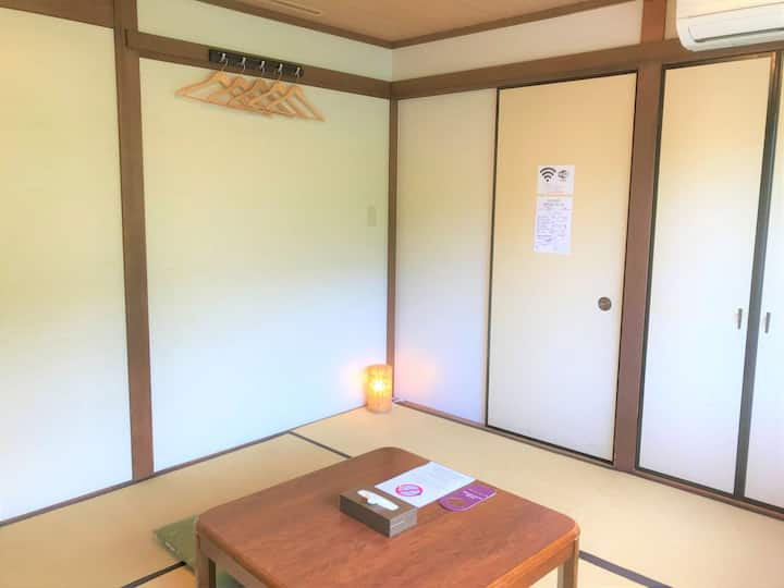 Standard Japanese Room with Toilet / for 3-4 ppl
