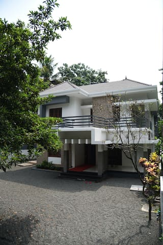 Rain Tree 1: your home in the heart of Alappuzha