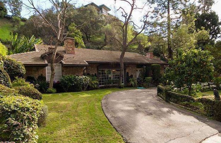 Unique Beverly Hills home for Film Location only