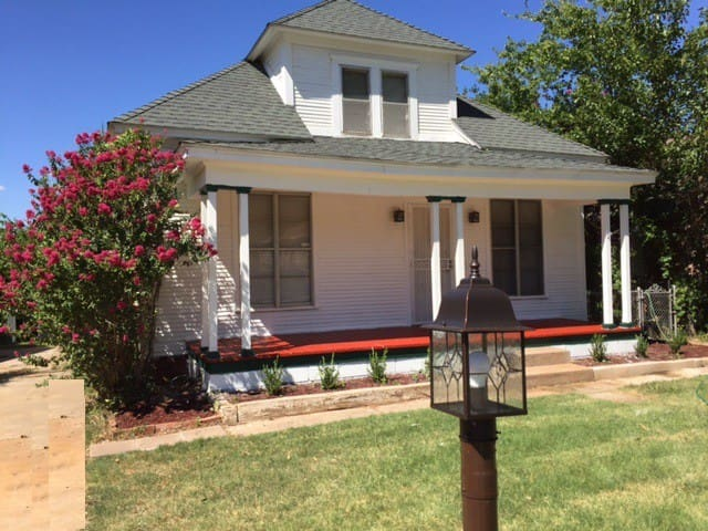 Prairie School House Inn 25% off monthly