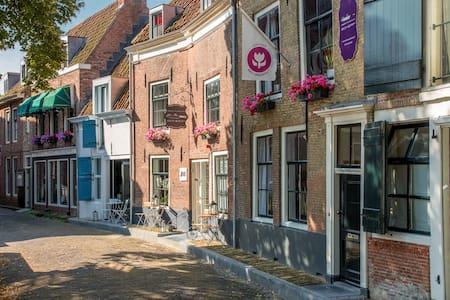 Unique B&B apt in the town centre! - Middelburg - Bed & Breakfast