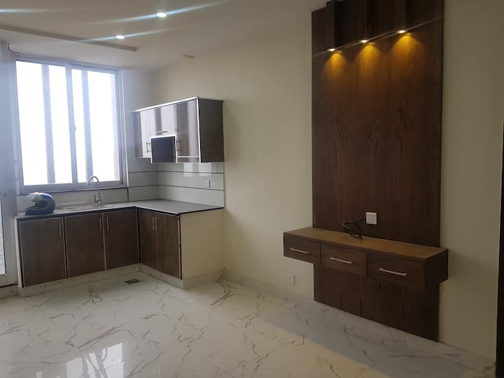 1 Bed Flat  Facing Boulevard, AL-Fatah Building