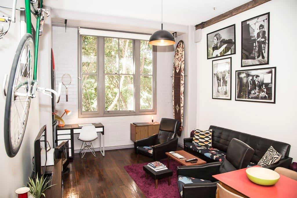 Appartement d 39 une chambre aux hauts plafonds du style new yorkais pyrm - Appartement style new yorkais ...