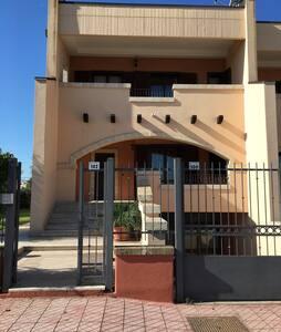 Villetta  su 3 livelli - Policoro - Townhouse