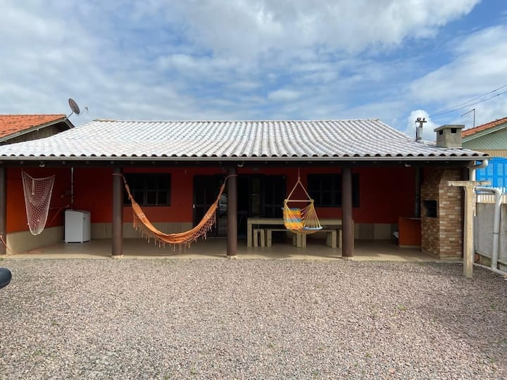 Camacho Hut
