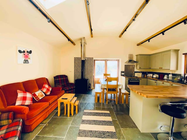 The Old Dairy - Boutique country cottage