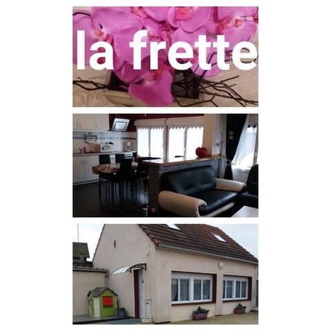 La Frette.maison de 80m2 classée☆☆☆ à 50km Paris