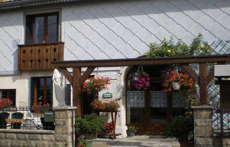 L'ESCAPADE   Chambres d'hôtes - Bonlieu - Dům pro hosty