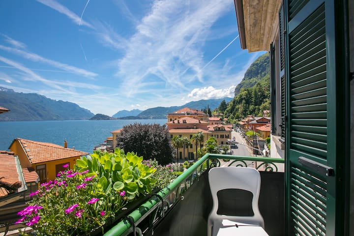 Cozy apartment balcony overlooking Bellagio and Varenna
