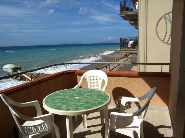 Seaside home by the city center - 2nd floor - Capo d'Orlando - Apartamento