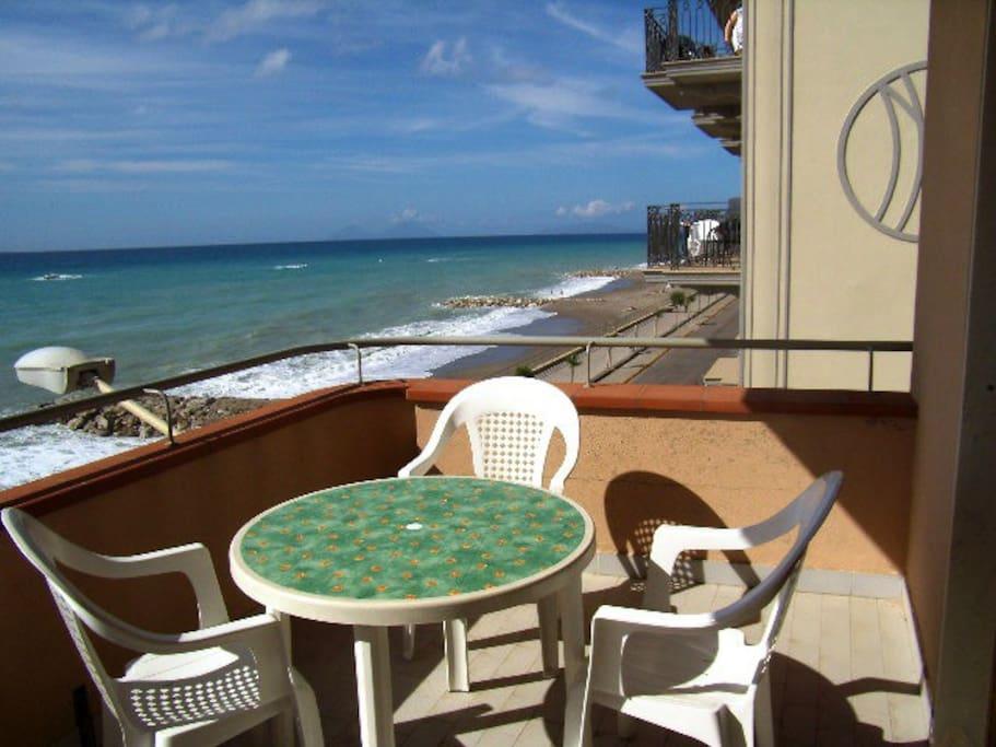 Casa a mare secondo piano appartamenti in affitto a - Piano casa sicilia ...