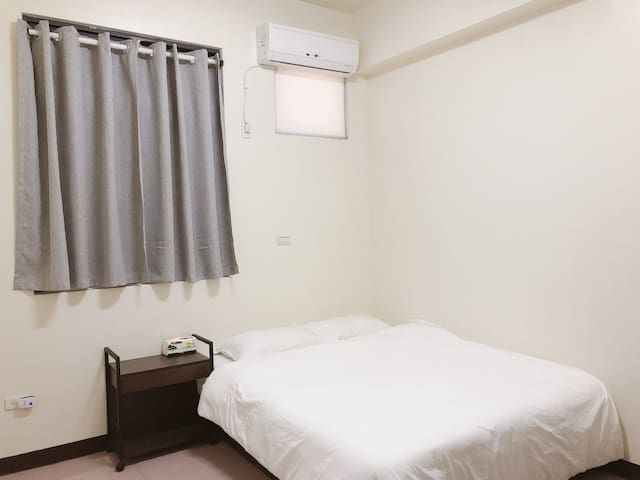 [206 standard suite] near Zhongyuan night market