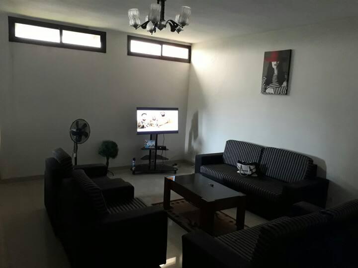 2 pièces meublées très spacieux