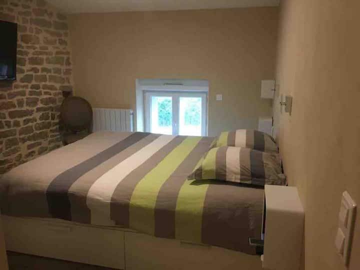 Duplex 40m2, chaleureux, neuf & meublé