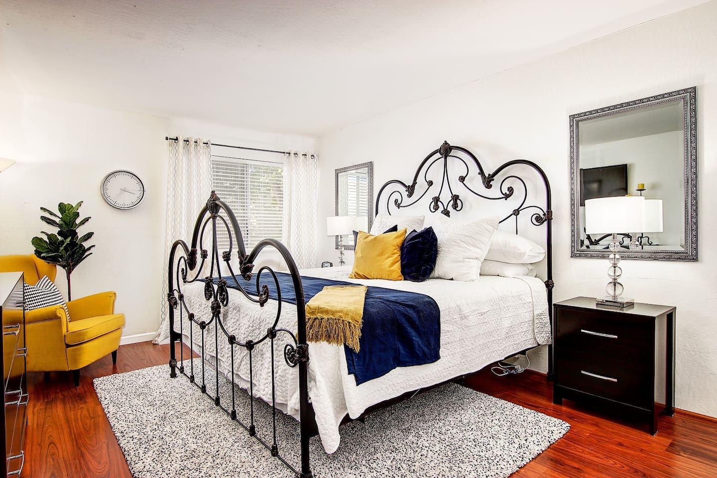 Relax in this comfortable king sized bed after the myriad of exciting activities that are available in Scottsdale.