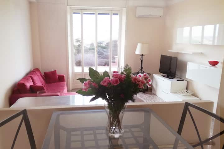Bright with Wonderful View in Central Rome Area!