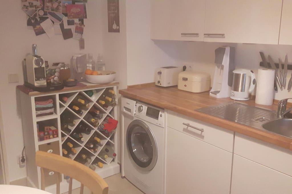 Kaffeemschine (Nespresso), Wasserkocher, Toaster, Sodastream etc.