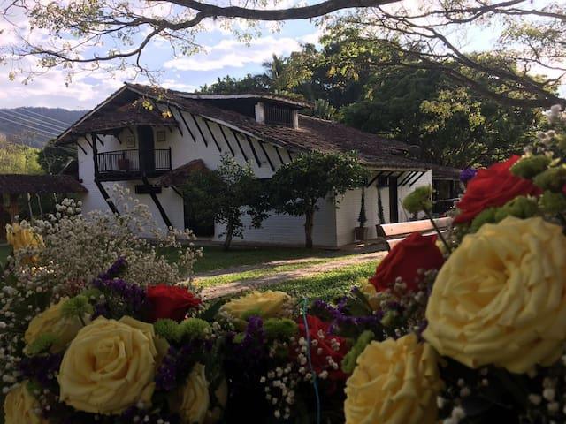 Hacienda Campestre en Buga / Country House in Buga - Buga - Домик на природе
