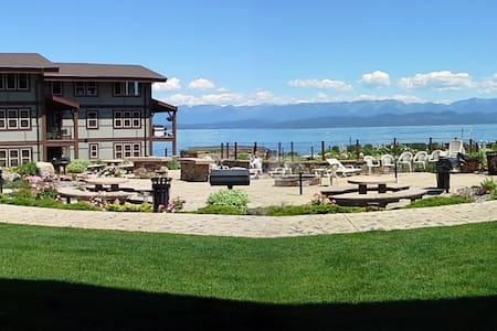 Flathead Lake Waterfront condo - Lakeside