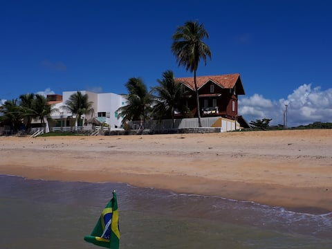 CHALET ON THE BEACH IN FRONT OF THE ATLANTIC OCEAN