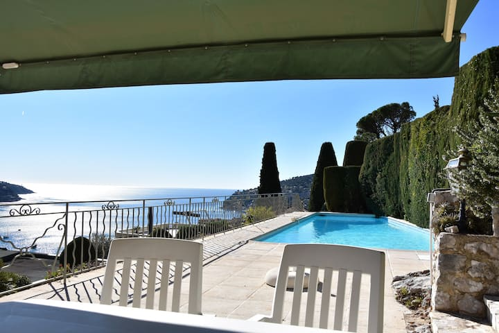 Beautiful villa with 5BR/ Sea view & Pool