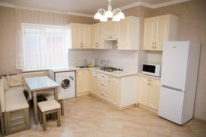 2-х комнатная квартира, в Витязево