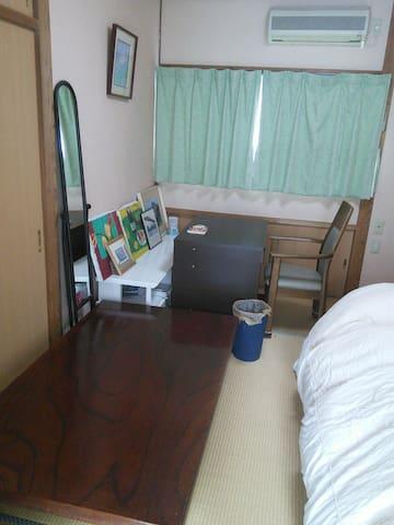上質な空間 和室1室 ダブルベッドありトイレ・シャワーあり リビングルームでお出迎え! - Saga-shi - House
