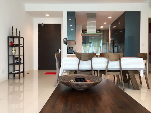 2 BR luxury condo in D'sara Uptown - Petaling Jaya - Apartment