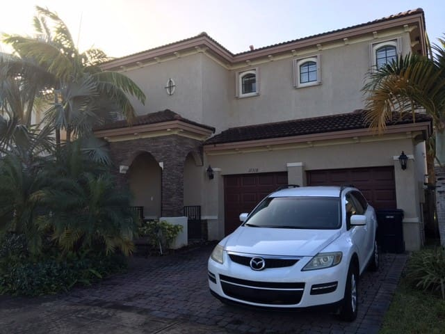 Beautiful Home n Greater Miami Area - Homestead - Huis