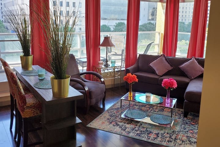 *NEW* Bohemian Chic Condo in Downtown Dallas