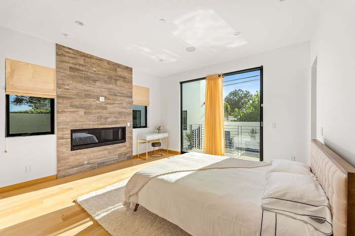 Beautifully Designed Master Bedroom