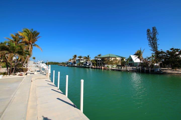 Breezy Keys Bright and Open Key Colony Beach Home