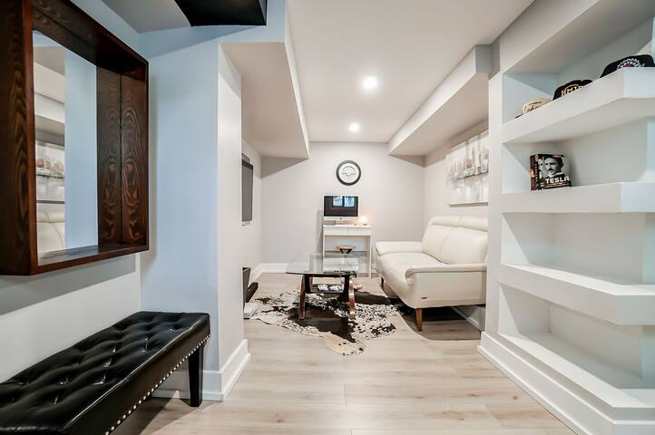 Modern Loft style condo - Old Aylmer