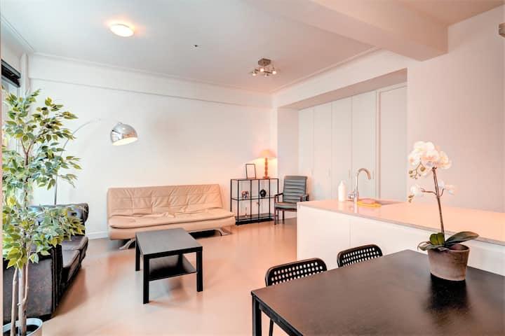 Meir Lodge. Apartment Heart of Antwerp L1