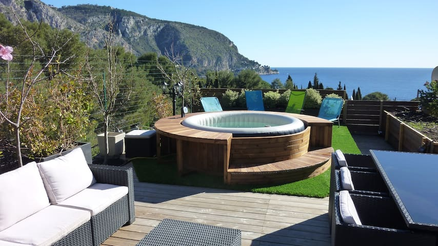 Close to Monaco seaviews rooftop terrasse parking - Èze - Apartamento