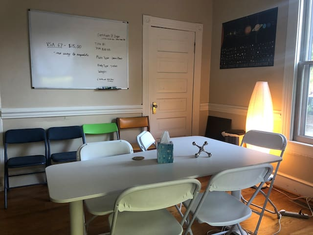 Private Conference Room (2hr block) Free Coffee