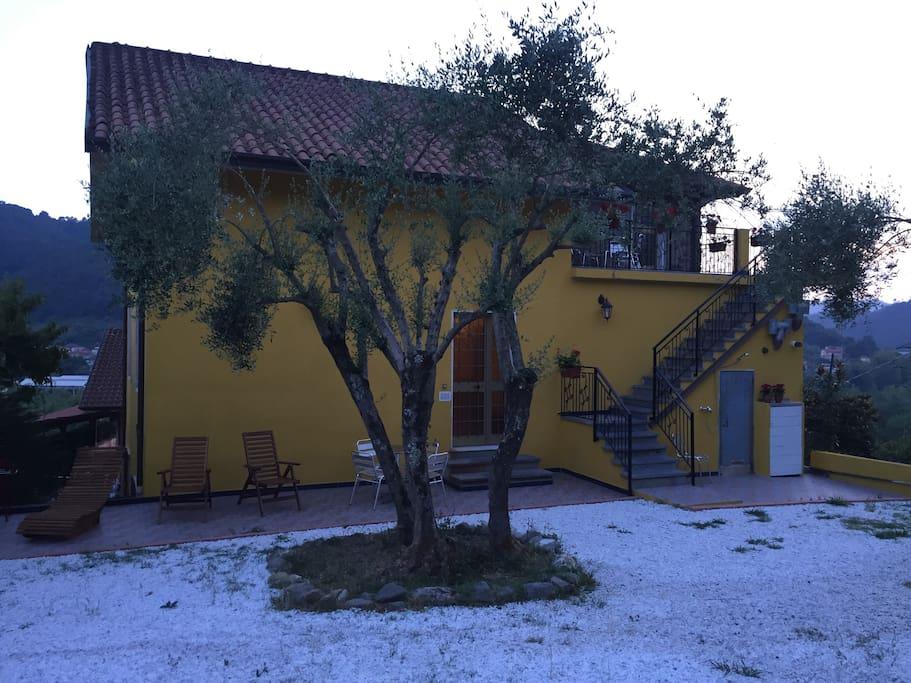 La torretta granaio val di vara cinque terre casas for Casa del granaio cracker