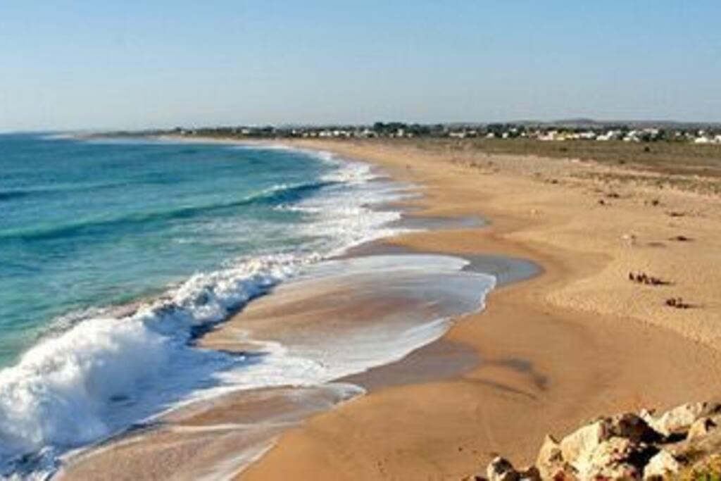 playa a 1,3 km andando desde la casa