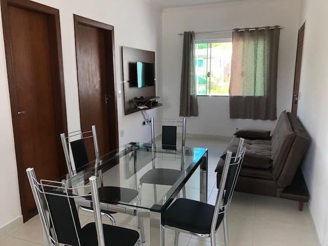 Apartamento  2 quartos  (ar condicionado)