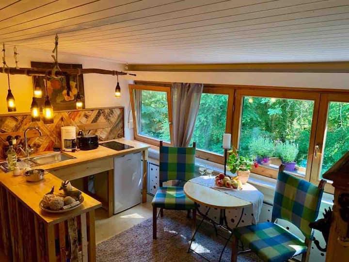 Landhausflair unterm Dach mit herrlichem Waldblick