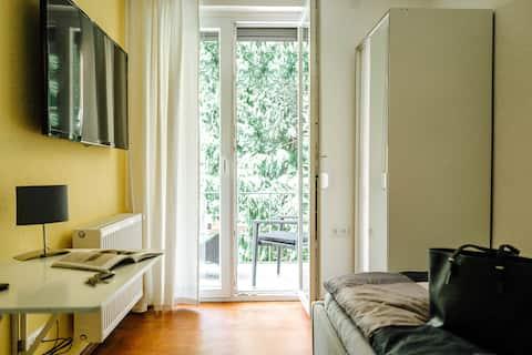 Kleines Zimmer an der TA mit  Balkon (Nr. 3)