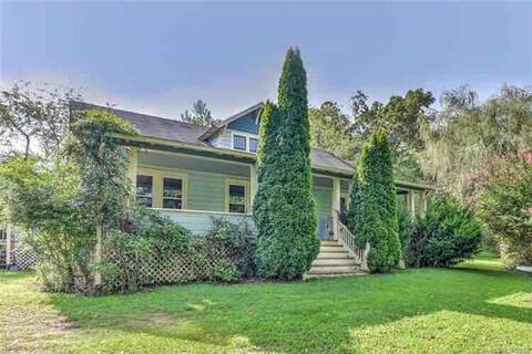 Asheville Country Bungalow, 10 miles to DT, rm. 2