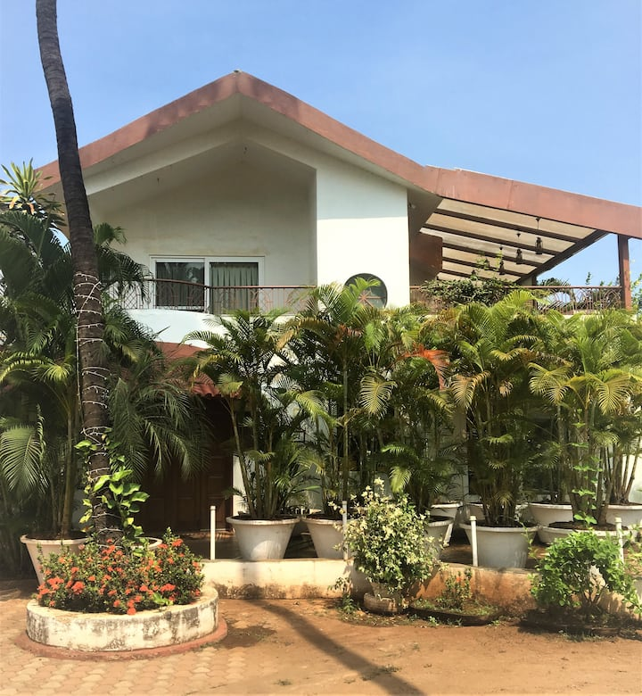 BEACH TOUCH 2BHK VILLA IN CANDOLIM (Blue Palm C-7)