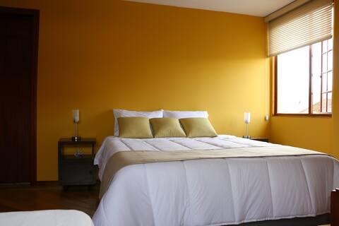 Amplia habitación privada VALLE DE LOS CHILLOS