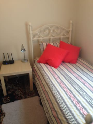 Single room close to city and transport.