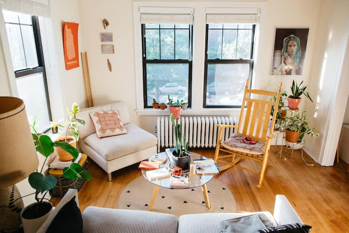 Urban, plant-filled, sunny one-bedroom to yourself