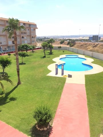 appartement bien situé av piscine et plage à 500m - Ciudad Quesada - Apartamento