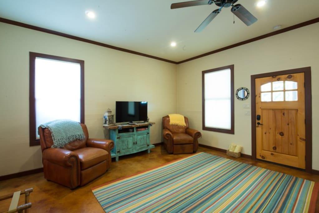 San Miguel Suite sitting area