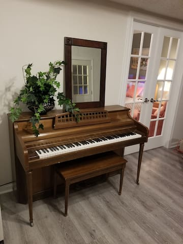 Piano for your entertainment