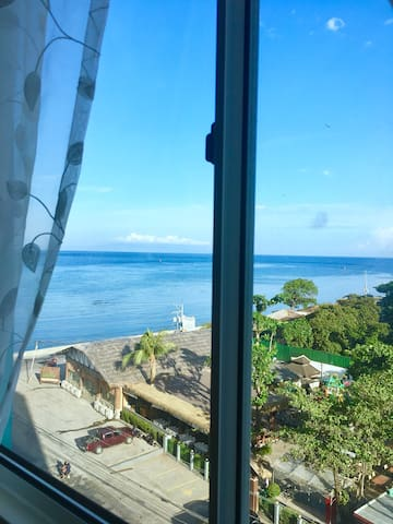 2-bedroom condo with sea view and FREE WIFI